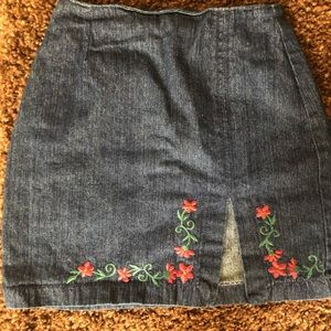 Jean floral embroidered mini skirt